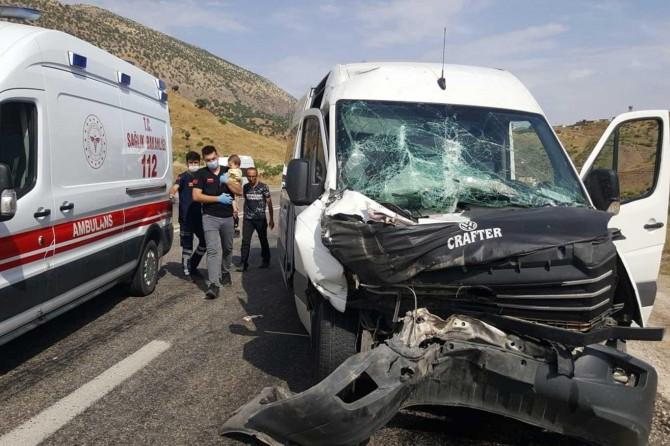 Siirt'te kaza: Biri bebek 8 yaralı