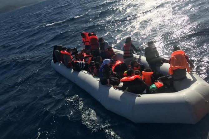 Sahil Güvenlik Komutanlığı: Çanakkale açıklarında 29 düzensiz göçmen kurtarıldı