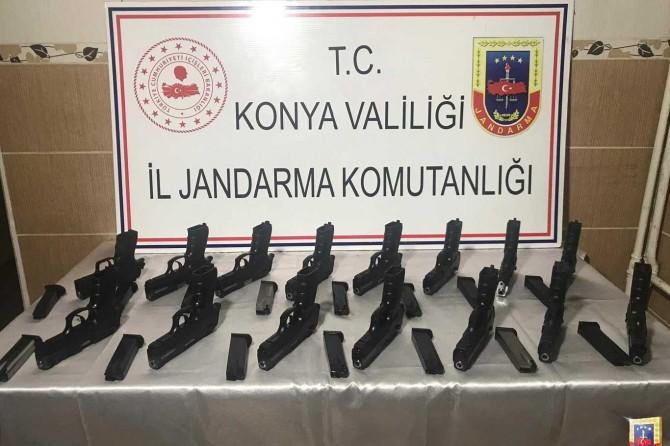 Konya'da yapılan operasyonlarda çok sayıda tabanca ele geçirildi