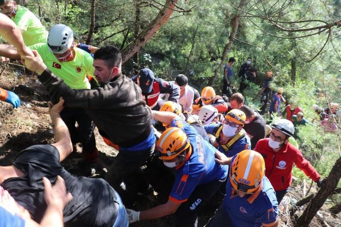 AFAD: 200 ekiple kayıp vatandaşın arama çalışmaları devam ediyor