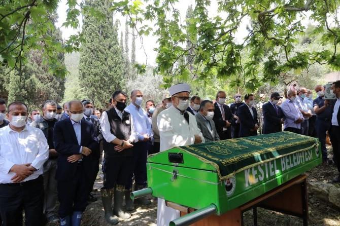 Bursa'daki selde hayatını kaybedenler defnedildi