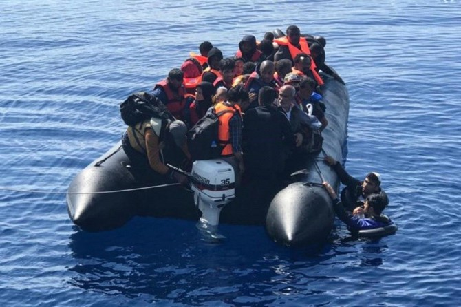 Sahil Güvenlik Komutanlığı: Çanakkale açıklarında 145 düzensiz göçmen kurtarıldı
