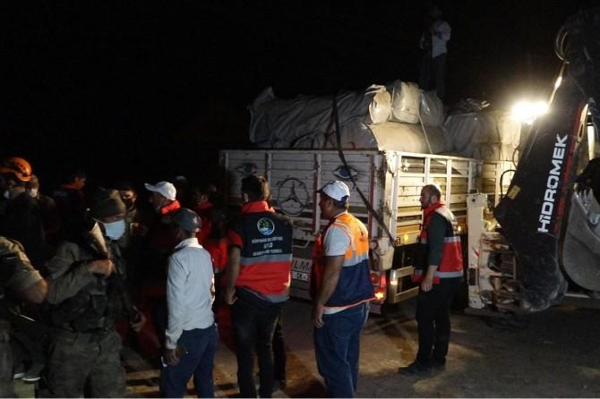Depremzedelere çadır dağıtımına başlandı