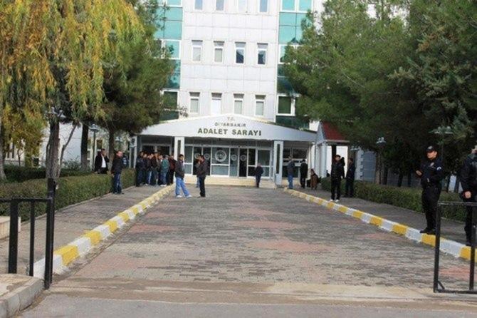 Diyarbakır'da PKK operasyonunda 8 kişi tutuklandı