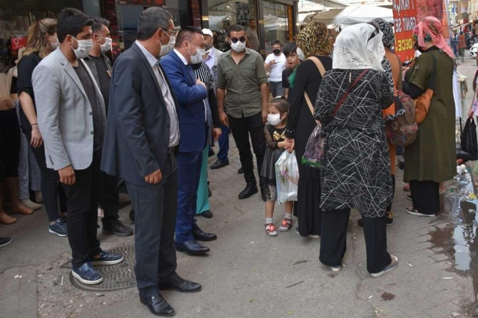 Diyarbakır Bağlar Belediye Başkanı Beyoğlu, Sakarya Caddesi esnafını ziyaret etti
