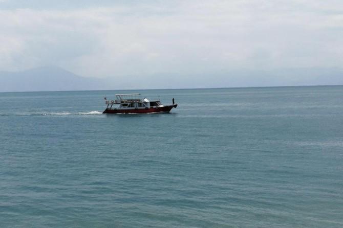 Van'da batık mülteci teknesinin bulunması çalışmalar devam ediyor