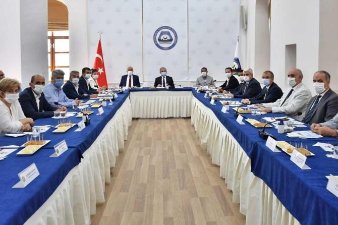 Vali Karaloğlu, Diyarbakır'ın ekonomisine yönelik değerlendirme toplantısı yaptı