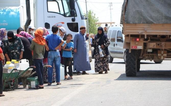 Mardin'de elektrikleri kesildiği için susuz kalan köylülerin feryadı: Bir damla suya hasret kaldık