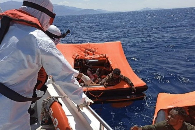 A total of 198 irregular migrants rescued in the last week, Turkish Coast Guard says