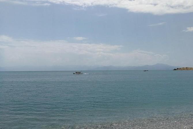 Van Gölü'nde batan tekneyi arama çalışmaları devam ediyor