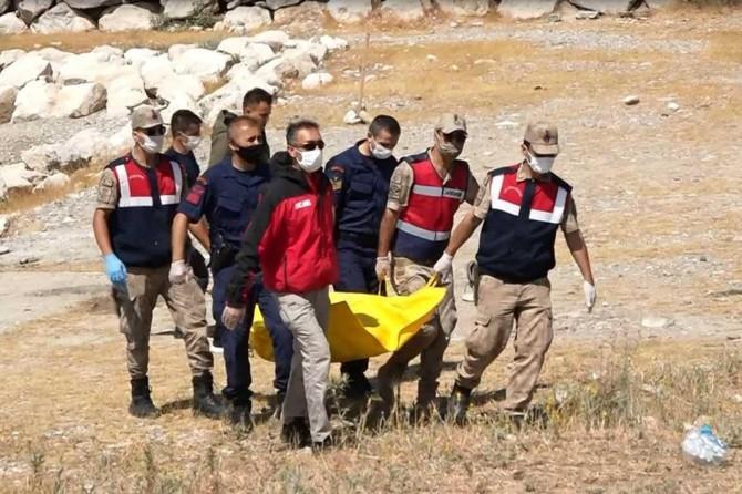 Van Gölü'nde 1 kişinin daha cesedine ulaşıldı