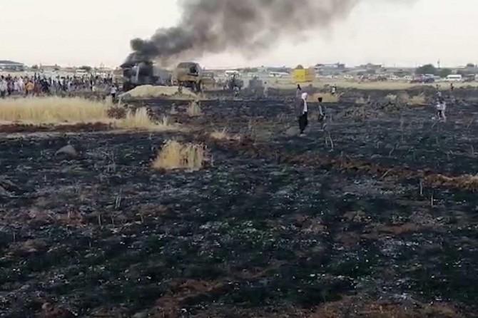 Çınar Yıllarca'da alev alan biçerdöver 100 dönümlük ekili araziye zarar verdi