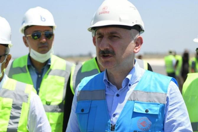 Bakan Karaismailoğlu, Çukurova Bölgesel Havalimanı inşaatını inceledi