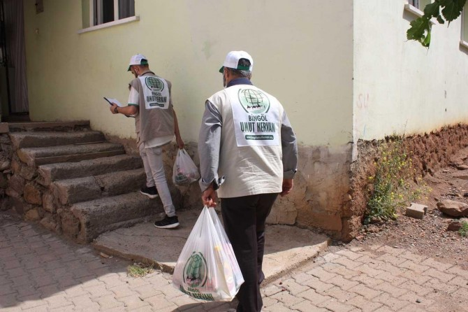 Bingöl Hope Caravan delivers food aid to hundreds of families over the last six months