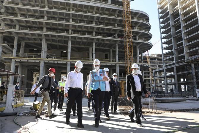 """Bakan Kurum: """"İstanbul Finans Merkezi 2021 Aralık ayına yetişecek"""""""