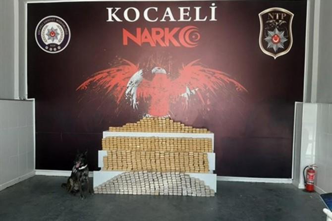 Kocaeli'de temizlik ürünleri yüklü minibüste 375 kilogram eroin ele geçirildi