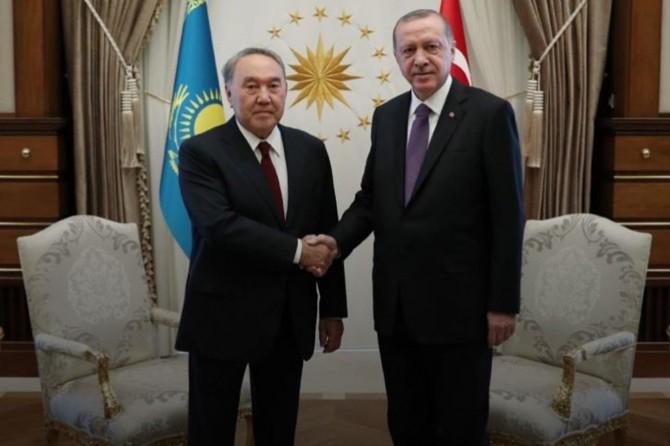 Cumhurbaşkanı Erdoğan, Kazakistan'ın kurucu Cumhurbaşkanı Nazarbayev ile telefonda görüştü