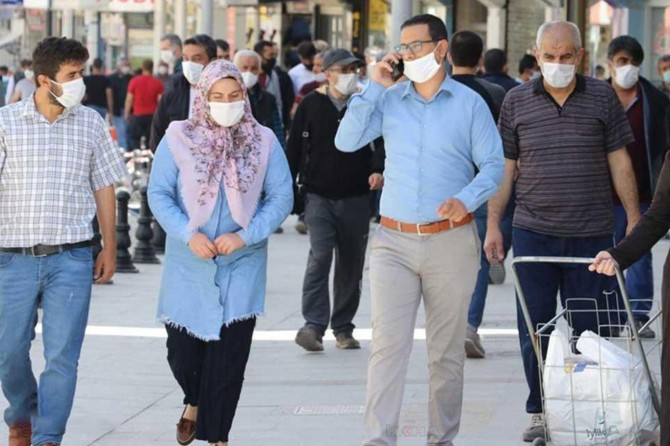 Ağrı'da kent genelinde maske takma zorunluluğu getirildi