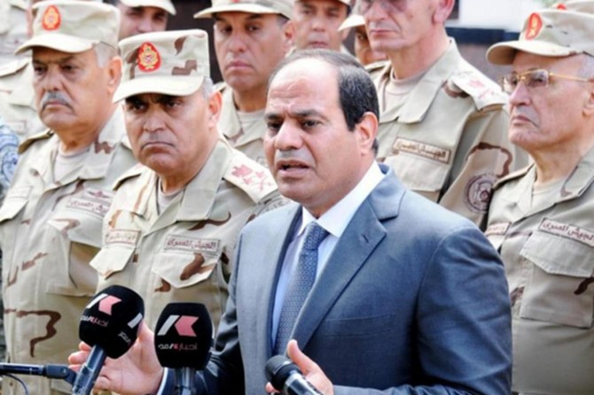 Mısır'da askerlerin seçimlere katılabilmesinin yolu açıldı