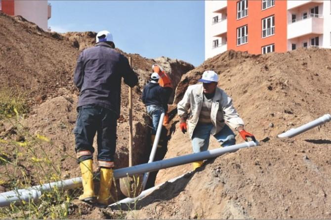 Tatvan Belediyesi 2 bin metre yeni içme suyu hattı döşeme çalışmalarını tamamladı