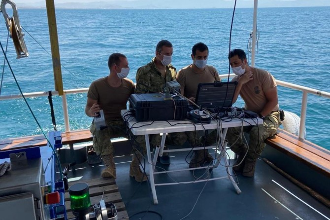 Van Gölü'nde tekneleri batan ve kaybolan mülteciler, su altı cihazı ile aranıyor
