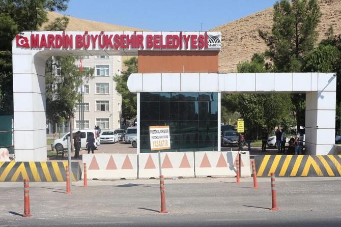 Mardin Büyükşehir Belediyesinde birçok üst düzey yönetici görevden alındı