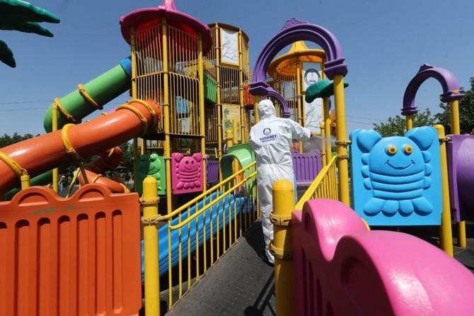 Gaziantep'te parklar dezenfekte ediliyor