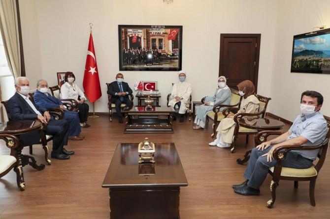 Diyanet İşleri Başkanı Erbaş'tan Ordu Valisi Sonel'e hayırlı olsun ziyareti