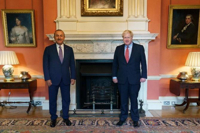 Dışişleri Bakanı Çavuşoğlu, İngiltere Başbakanı Johnson'la görüştü