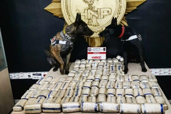 Hakkâri'de 52 kilo 400 gram uyuşturucu madde ele geçirildi