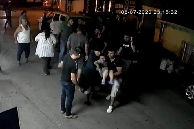 Aracın altında kalan çocuğun görüntüleri güvenlik kamerasına yansıdı
