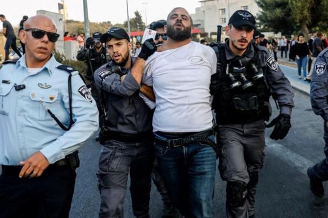 Aralarında 2 Hamas liderinin de olduğu 8 Filistinli alıkonuldu