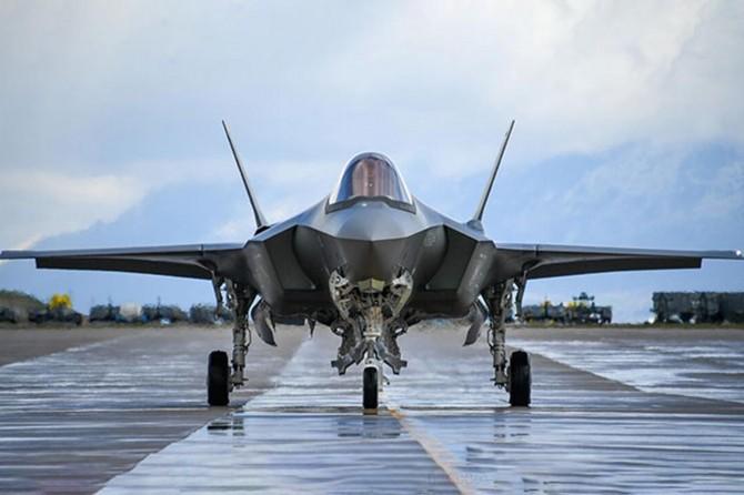 ABD, Japonya'ya 105 adet F-35 savaş uçağı satacak