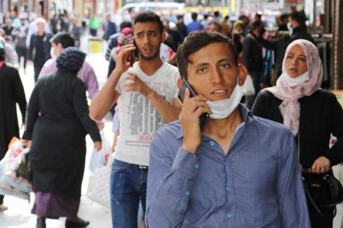 """Gaziantep Valisi Gül: """"Lütfen çenenizde ve elinizde maskeyle dolaşmayın"""""""