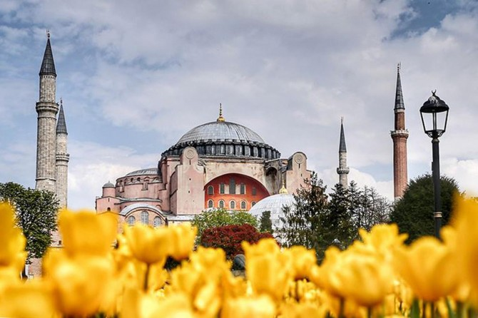 Diyanet İşleri Başkanı Erbaş'tan Ayasofya Camii paylaşımı