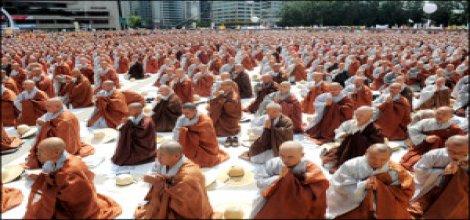 Burma'da Budistler İslami bir okula saldırdı