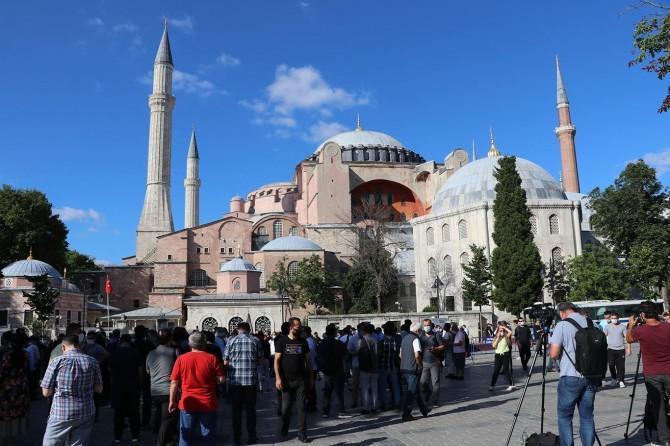 ABD ve Avrupa, Ayasofya Camii'nin ibadete açılmasını hazmedemedi