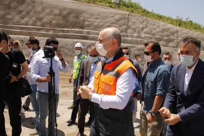 """Bakan Karaismailoğlu: """"Tatvan Çevreyolunu 2022 yılının başlarında bitirmeyi hedefliyoruz"""""""