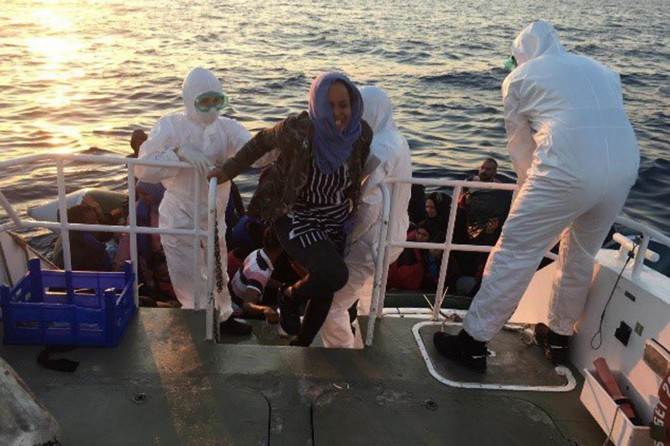 A total of 554 irregular migrants rescued in the last week, Turkish Coast Guard says