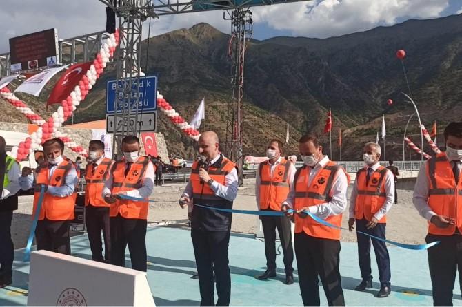 Türkiye'nin en yüksek köprüsü, Botan Çayı Beğendik Köprüsü'nün açılışı yapıldı