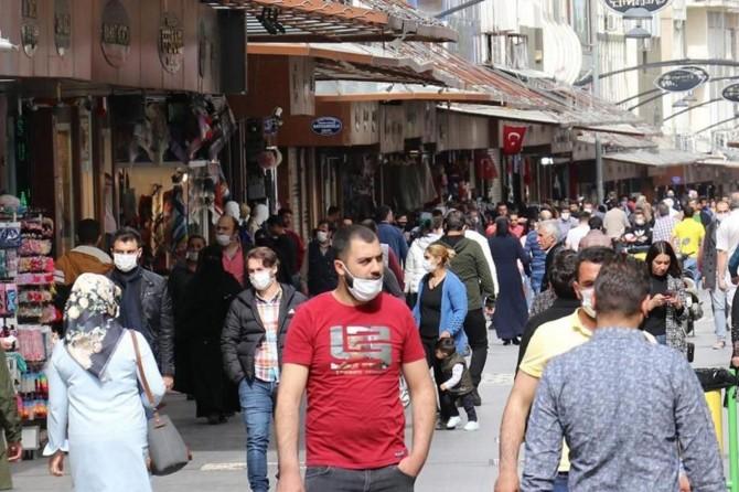 Gaziantep'te Covid-19 tedbirlerine uymayan 4 binden fazla kişiye para cezası verildi
