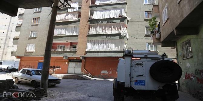 Diyarbakır Bağlar'da bir bina karantinaya alındı