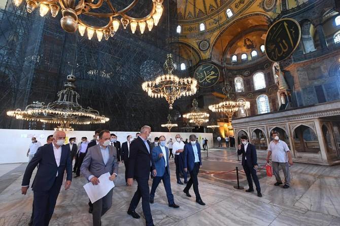 """Diyanet İşleri Başkanı Erbaş: """"Ayasofya'da 2 imam ve 4 müezzin görevlendirilecek"""""""