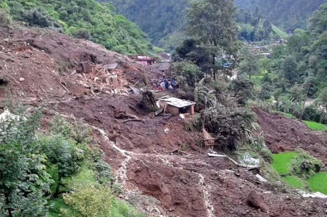 Nepal'de toprak kaymaları