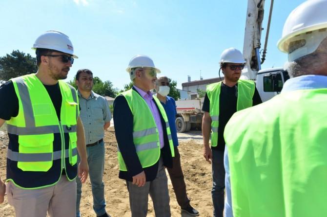 Elâzığ`da depremde yıkılan okulların yerine yenilerinin yapımına başlandı.