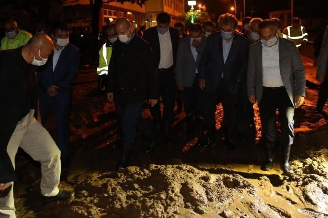 """Bakan Soylu: """"Rize'de 11 yaralı var, bir kişi kayıp"""""""