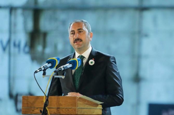Adalet Bakanı Abdulhamit Gül'den 15 Temmuz mesajı