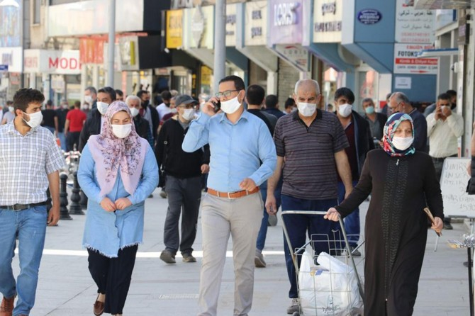 Gaziantep'te Covid-19 tedbirlerine uymayan 4 bin kişiye para cezası verildi