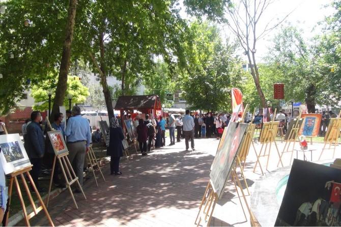 Adıyaman'da 15 Temmuz resim sergisi açıldı