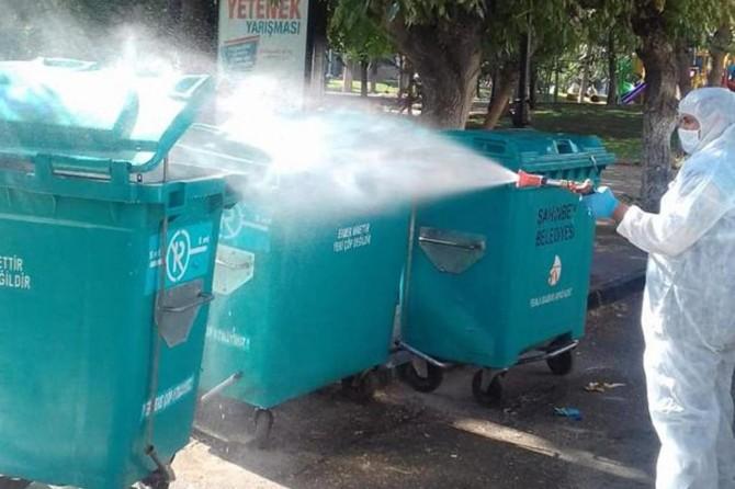 Gaziantep'te çöp konteynerleri dezenfekte edilerek temizleniyor